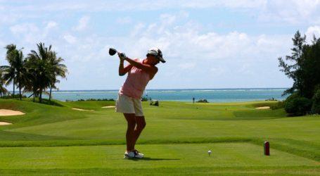 La mexicana Isabella Fierro gana el torneo de golf de Argentina